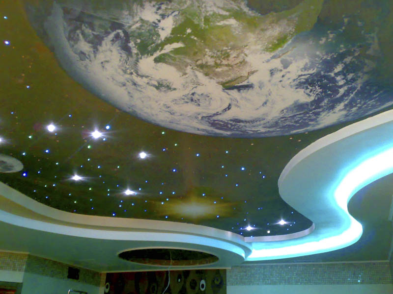 Потолок с элементами звездного неба