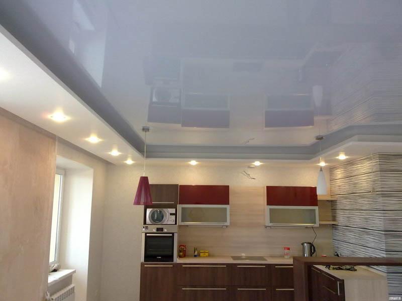 Двухуровневый потолок в студии