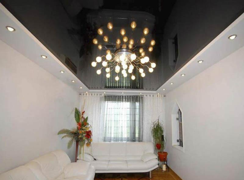 Черный блестящий потолок