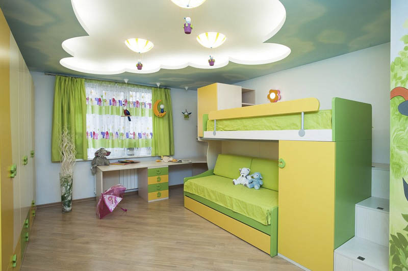 крытое освещение  и фигурный потолок в детской