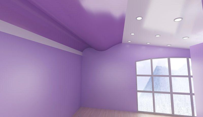 натяжной потолок с волной