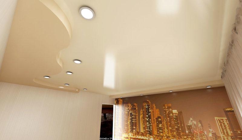 Дизайн натяжного потолка для зала, светлый