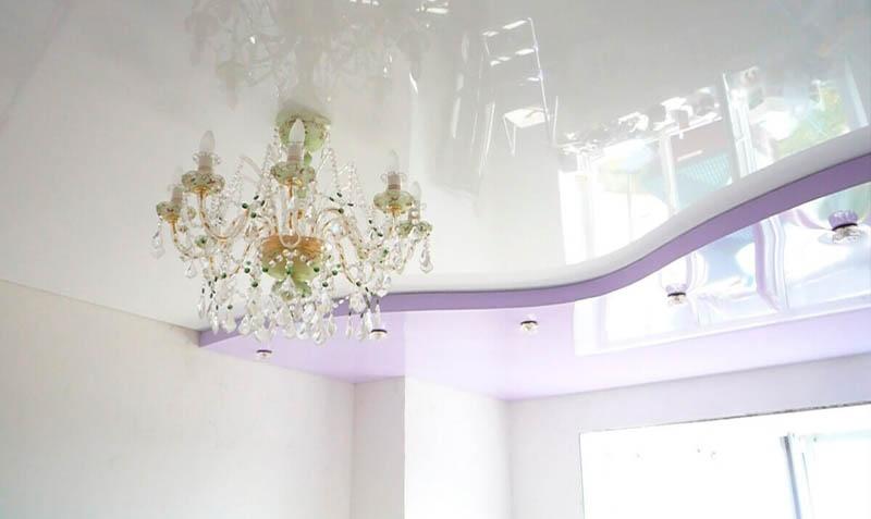 фиолетовый натяжной потолок