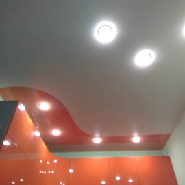 Комбинирование натяжного потолка на кухне Небо-люкс.рф -2