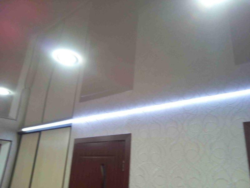 Потолок с диодной подсветкой