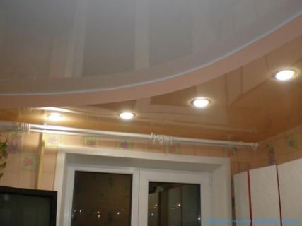 Два уровня потолка для кухни