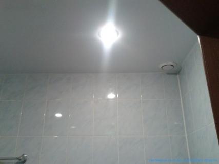 Ванная натяжные потолки