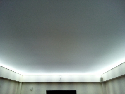 Подсветка коридора диодной лентой