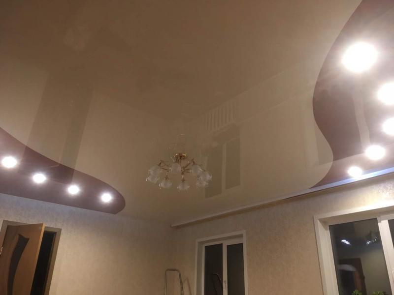 Большой комбинированный потолок