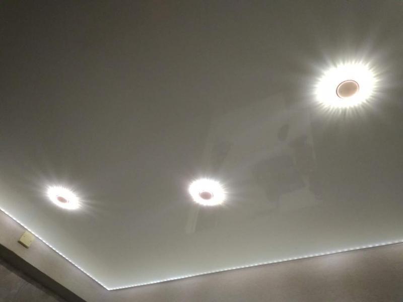 Светодиодная подсветка изнутри потолка